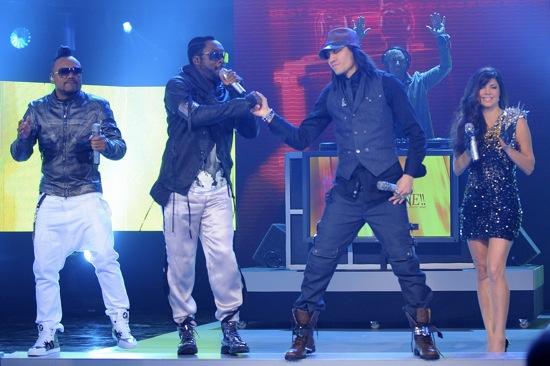 Black Eyed Peas // 2010 Grammy Nominations Live! Concert