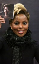 "Mary J. Blige // ""Stronger with Each Tear"" album signing at Best Buy in New York City"