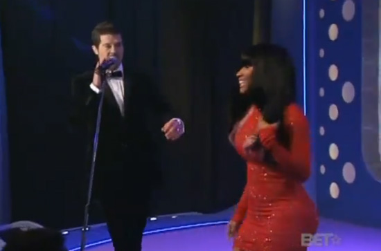 """VIDEO: Robin Thicke and Nicki Minaj Performing """"Shakin it for Daddy"""" on 106 & Park -- click to watch!"""