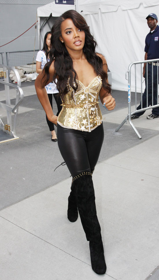 Angela Simmons Pastry S Salute To The Troops In New