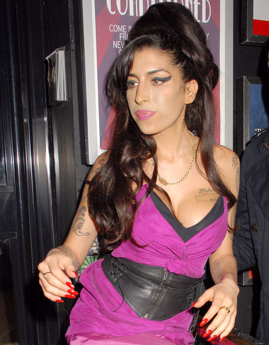 Amy Winehouse Planning To Release Comeback Album In January 2011