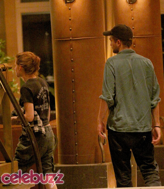 Return To: Robert Pattinson and Kristen Stewart Spotted KISSING in Montreal!