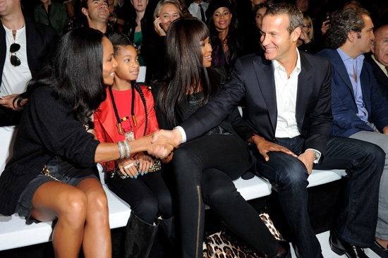 Willow Smith & Jada Pinkett-Smith with Naomi Campbell and ...