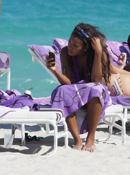 Angela Simmons Gets A Massage In Miami Beach