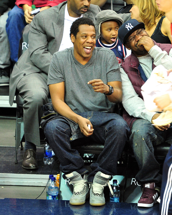newest db6bf cb8a3 ☆ Courtside Shots: Jay-Z Having a Good Time at the New ...
