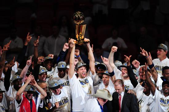 mavericks coach and jim carrey. Dallas Mavericks Win NBA