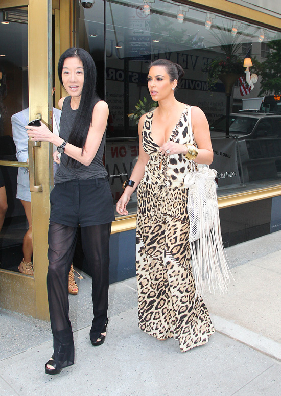 Kim kardashian goes wedding dress shopping with sister for Wedding dress shopping nyc