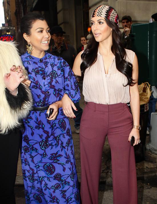 Kourtney and Kim Kardashian Leave a New York City Nail Salon Rocking ...
