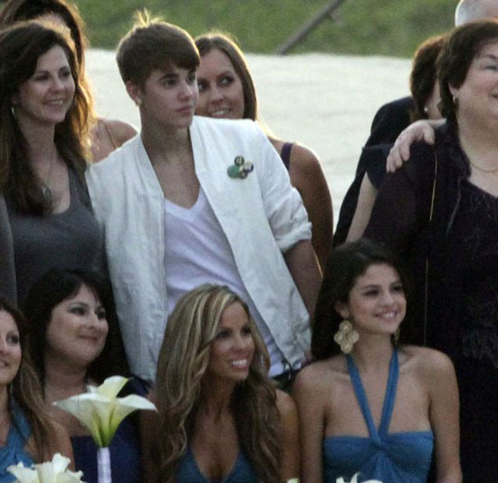 justin bieber and selena gomez with wedding guests