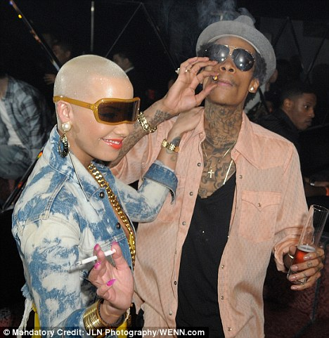 Amber rose amp friends twerking 2
