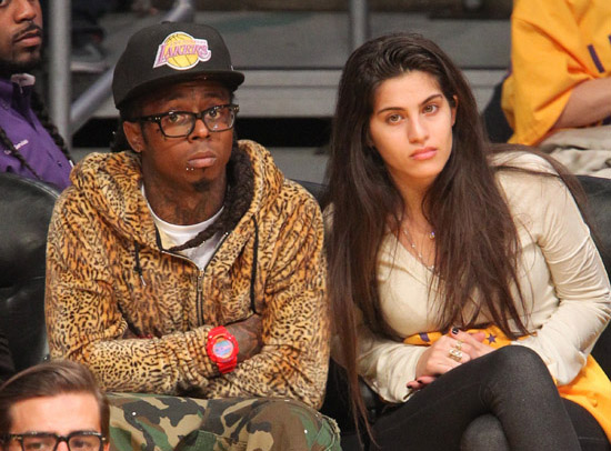 Lil Wayne Surprised His Girlfriend Dhea with a FAT Ring on