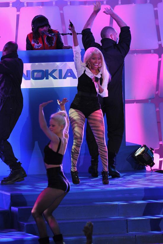 Nicki Minaj Takes Over Times Square For Secret Nokia Concert