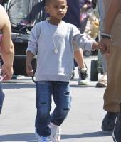 """Usher """"Cinco"""" Raymond V"""