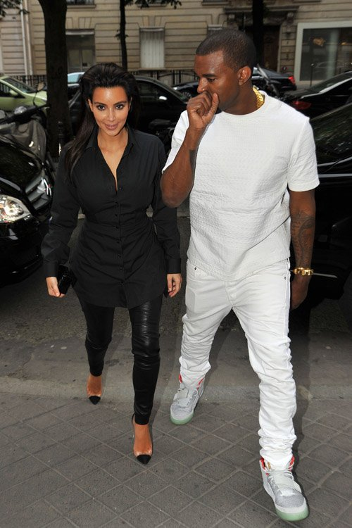 Kim Kardashian and Kanye West spotted in Paris on July 2nd ...