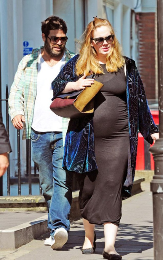 Pregnant Adele Shows Off Her Baby Bump in London [PHOTOS]