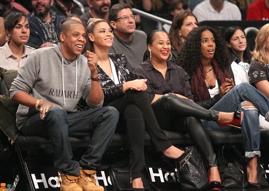 beyonce amp jayz spotted at nets vs clippers game with