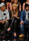 Beyonce and Jay-Z watch the Brooklyn Nets take on the New York Knicks (Nov 26)