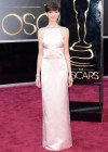 Anne Hathaway: Oscars 2013 red carpet