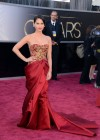 Olivia Munn: Oscars 2013 red carpet