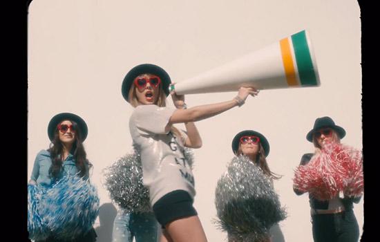 Taylor Swift S 22 Video Is So Taylor Swift