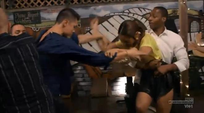 amina-fights-tara