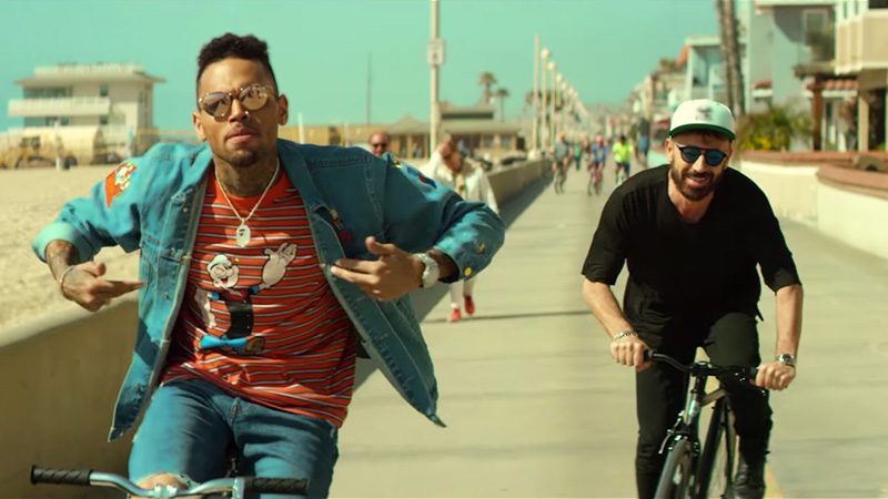 """8c6a6a3433 Chris Brown and Benny Benassi Hit the Beach in """"Paradise"""" Video"""