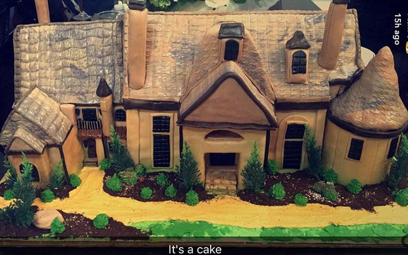 Chateau-Sheree-Housewarming-Cake