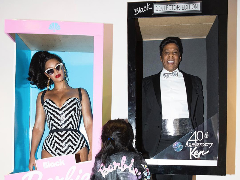beyonc and jay z won halloween with black barbie and ken costumes photos - Halloween Costume Barbie