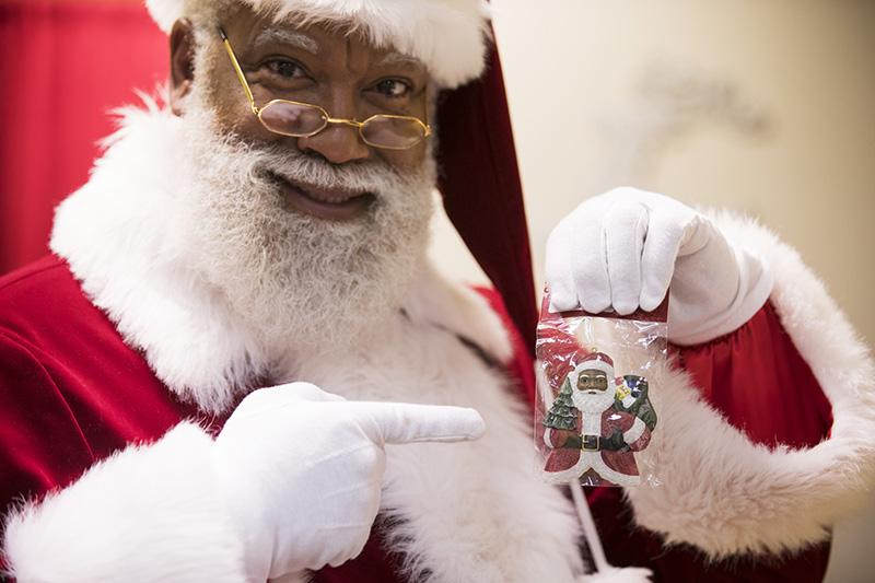 larry-jefferson-black-santa-claus