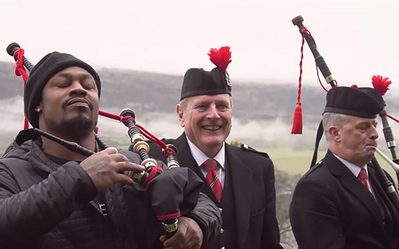 marshawn-lynch-scotland-houston-bagpipes