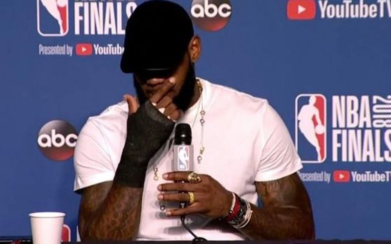 LeBron James Punched a Blackboard After Game 1 and Played the Rest of the Finals With a Broken ...
